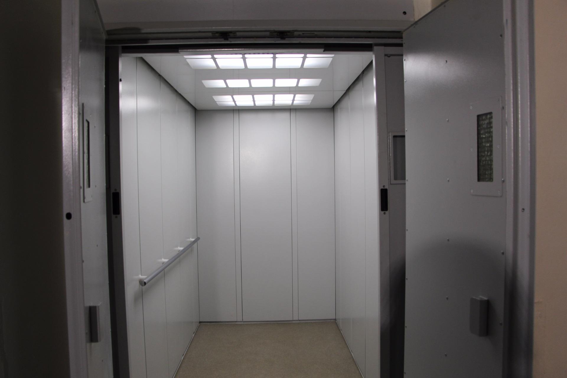 Фотографии грузовых лифтов